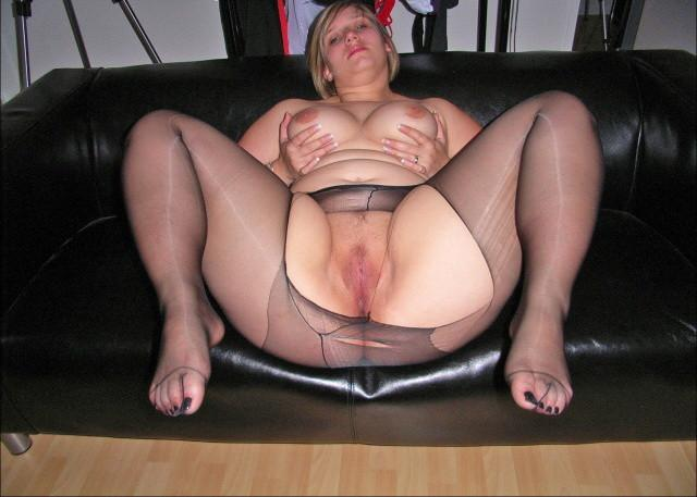 chubby feet in pantyhose