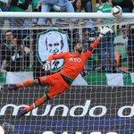 Rui Patrício completou 8.000 minutos seguidos pelo Sporting na I Liga. Parabéns! Sabe mais: http://t.co/qbzmmArM4g http://t.co/bJA83hVdpr