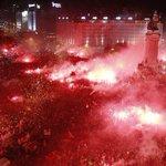 Há exatamente 1 ano foi assim... Que este ano se repita! Rumo ao 34! ❤️⚽️ #CarregaBenfica @SL_Benfica http://t.co/N7ilJ3Lm3O