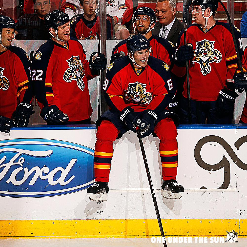 BREAKING: #FlaPanthers re-sign Jaromir Jagr to a one-year contract. http://t.co/hcQSE7O4Ih