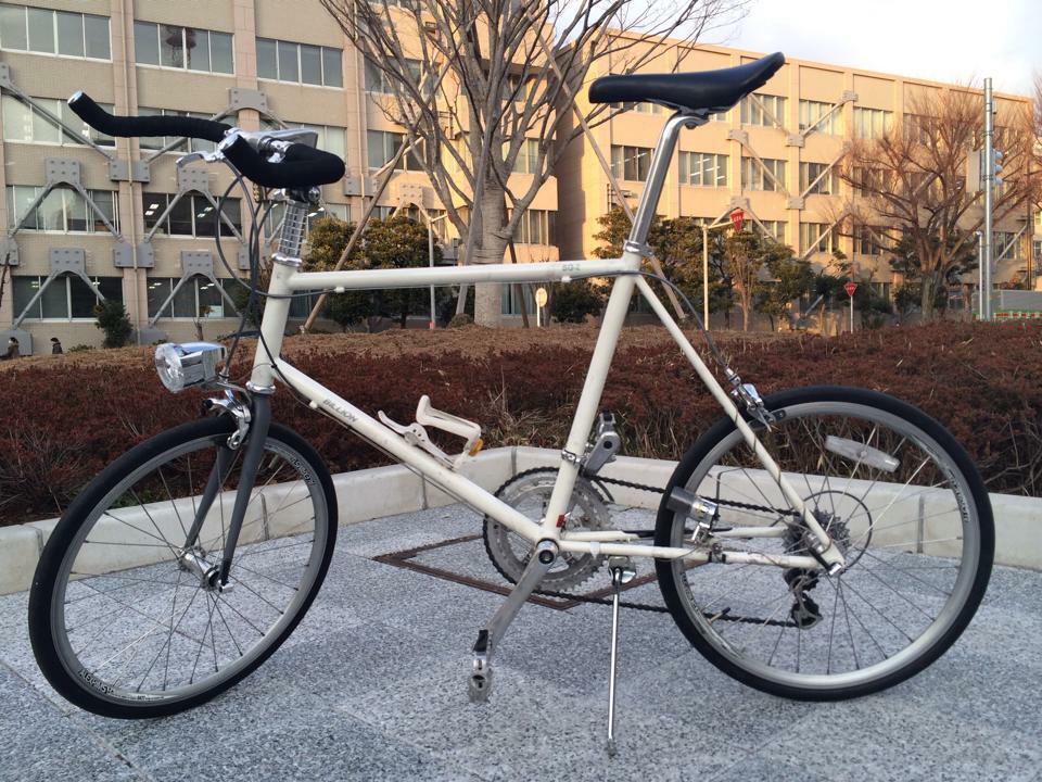 渋谷の富ヶ谷でこの自転車を盗まれました。 写真から変わっている点は、前輪がハブダイナモにしてあるります。 http://t.co/RHQAdg3yBb