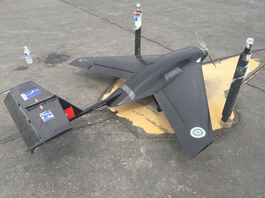 #aiaadbf Yildiz Tech U from Turkey has a really cool looking plane. Check it out. They are on mission 3.1 wiffle ball http://t.co/Hav9R0AYYd