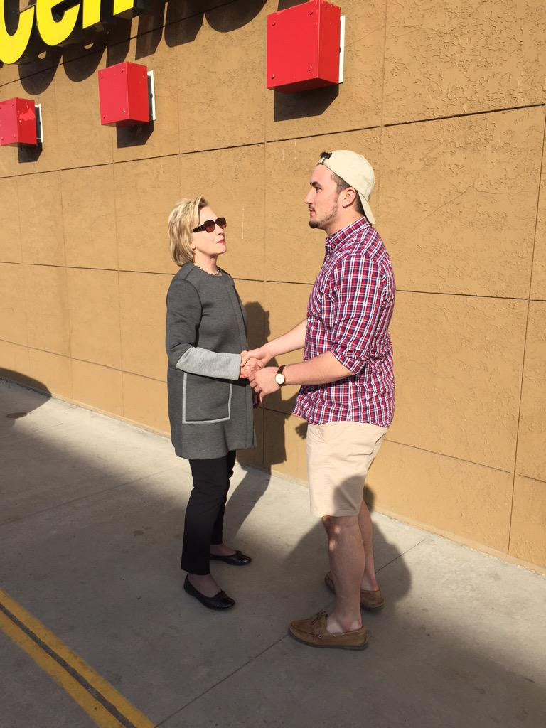 Here's Chris Learn meeting Hillary Clinton today at the Pilot gas station in Lamar PA http://t.co/Ye2nCfQJGw