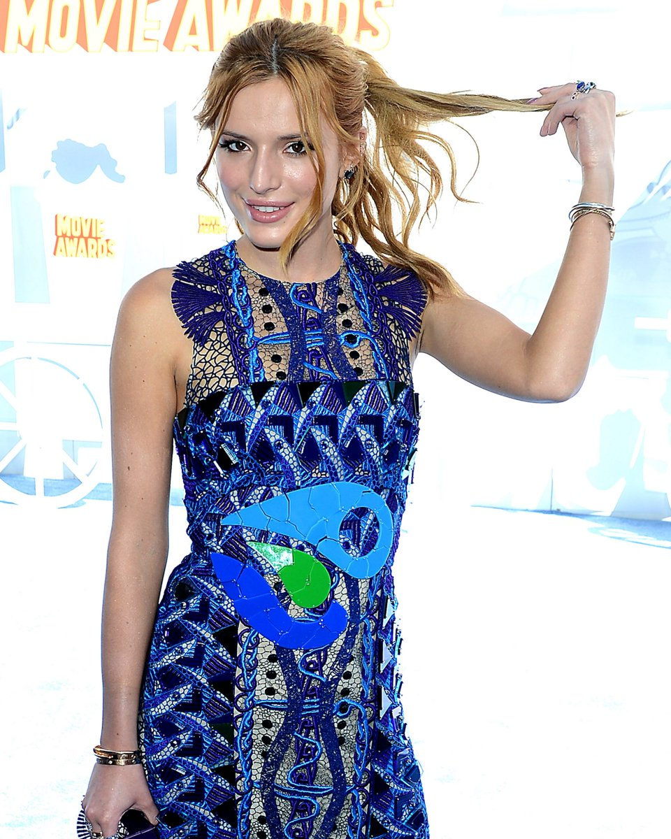More HQ pictures of Bella Thorne at the MTV Movie Awards - http://t.co/f64gUSB2gF http://t.co/fQjvVvjJxx