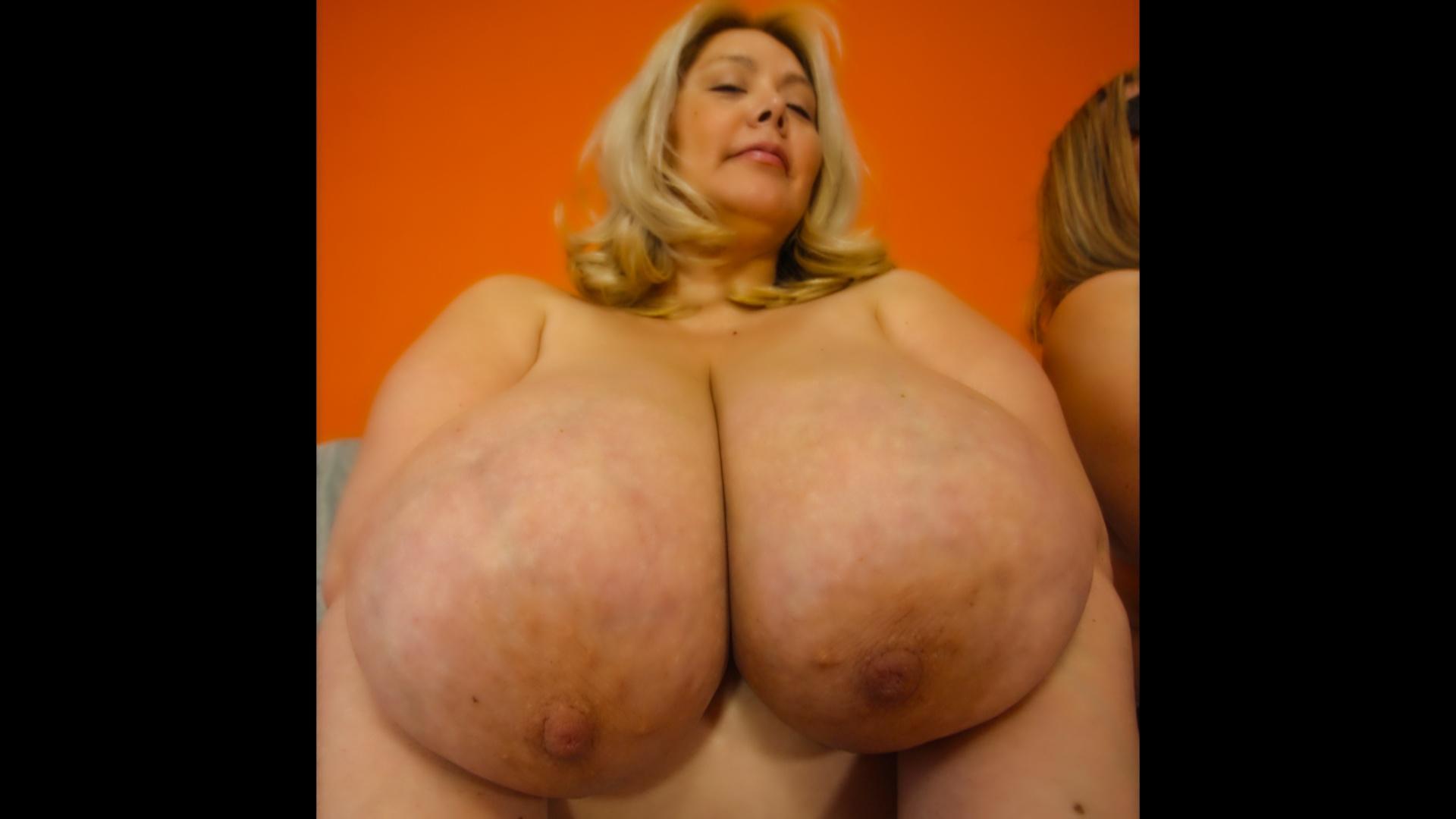 Renaissance fair busty girl pics