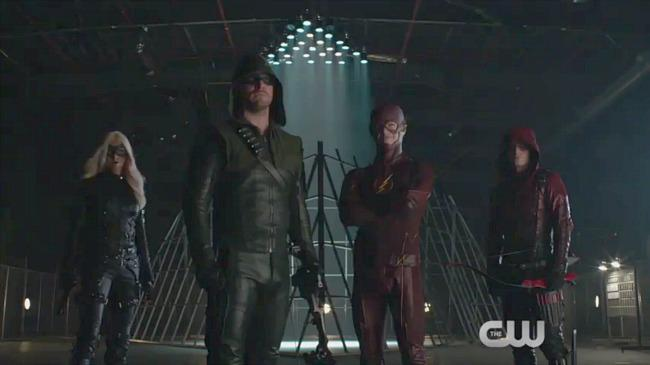 #TheFlash & #Arrow fans, drop everything and watch this NOW! So much awesomeness. https://t.co/b7Zbq9KSYl http://t.co/TMWChocoWm