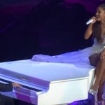 Damn, this video of Ariana Grande singing