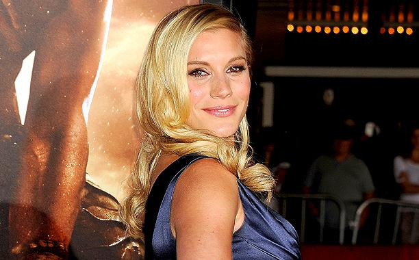 .@KateeSackhoff returning to @Syfy with Rain: