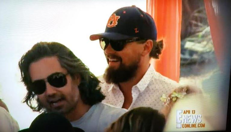 VIDEO: Leonardo DiCaprio shows up to #Coachella pool party in his #Auburn hat. http://t.co/Pi8krAJaCP #DiAuburnCaprio http://t.co/k0yL8d1hBf