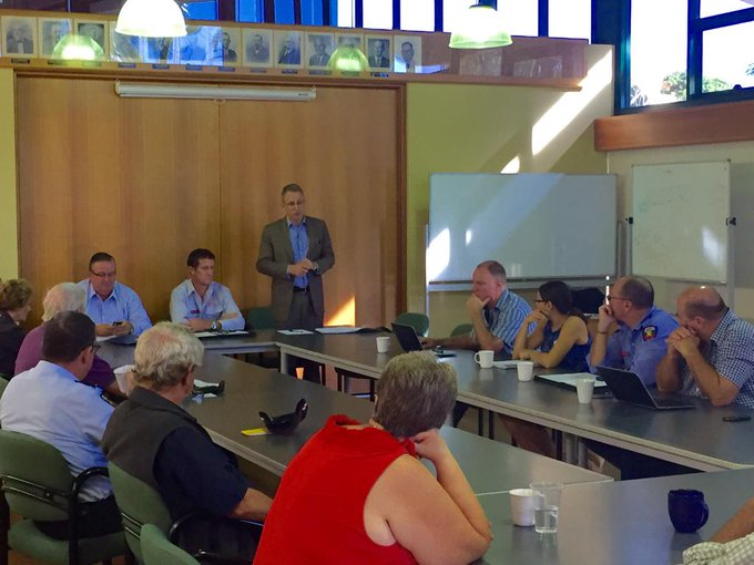 In Charters Towers with @EwenJonesMP for a community meeting re mobile coverage & #nbn. #commsau http://t.co/fSlT5tdqhS