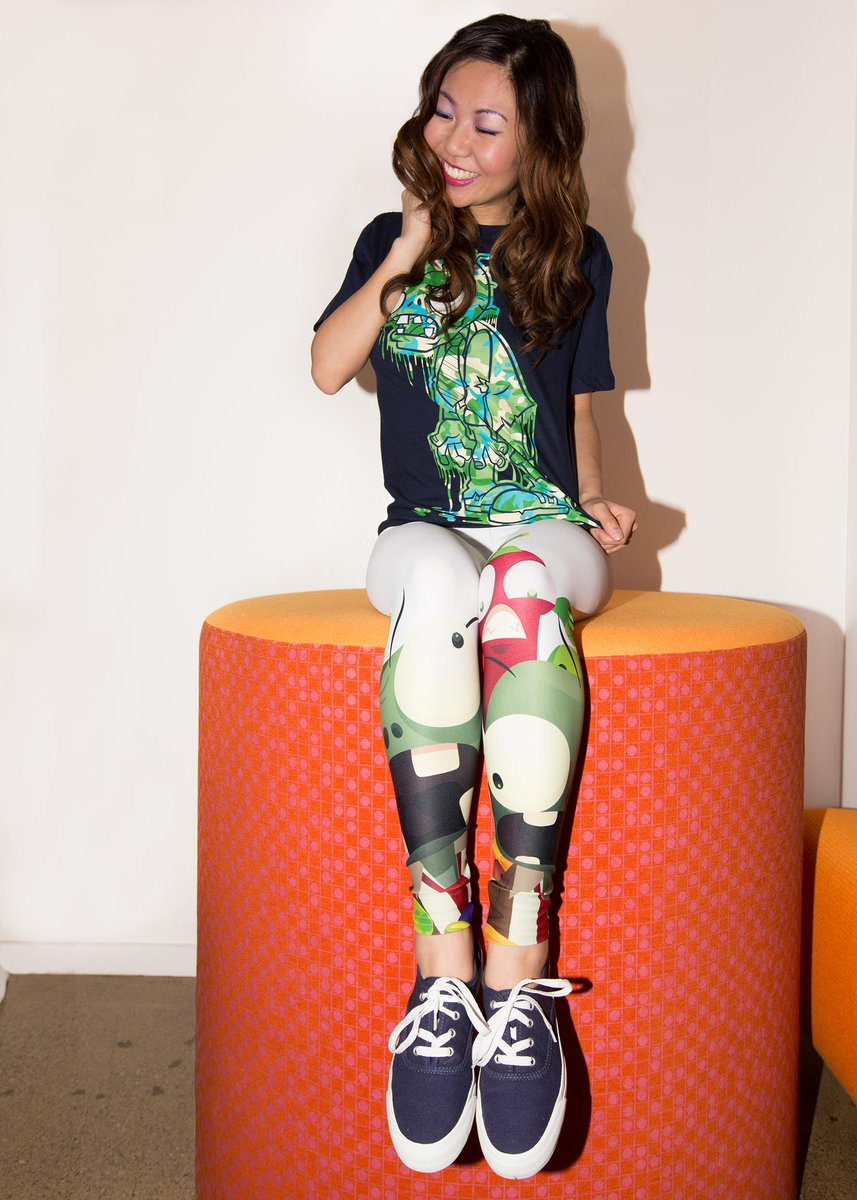 #PvZ RT & follow for a chance to win! @tehlittleone has won leggings from the @thebombsheller PopCap collection! http://t.co/681MrgPqvb