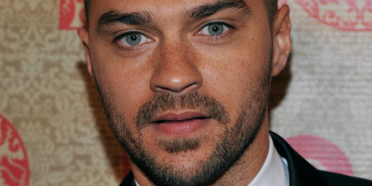 "Jesse Williams calls out ""justify-anything"" Americans who excuse police shootings"
