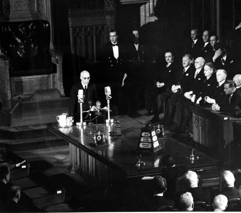 .@NarendraModi asked to see our House of Commons, where I showed him this 1949 pic of his predecessor Nehru speaking. http://t.co/kIvHDFNaJm