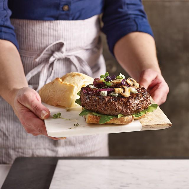 Filet Mignon Burgers available now! RT, and comment and you might find some coming your way! http://t.co/7ZiKhcwqWv http://t.co/lxupuoHT8w