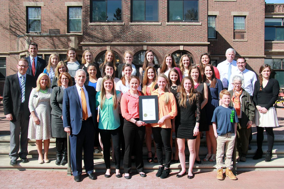 Gopher Women's Hockey Team honored by Governor Dayton