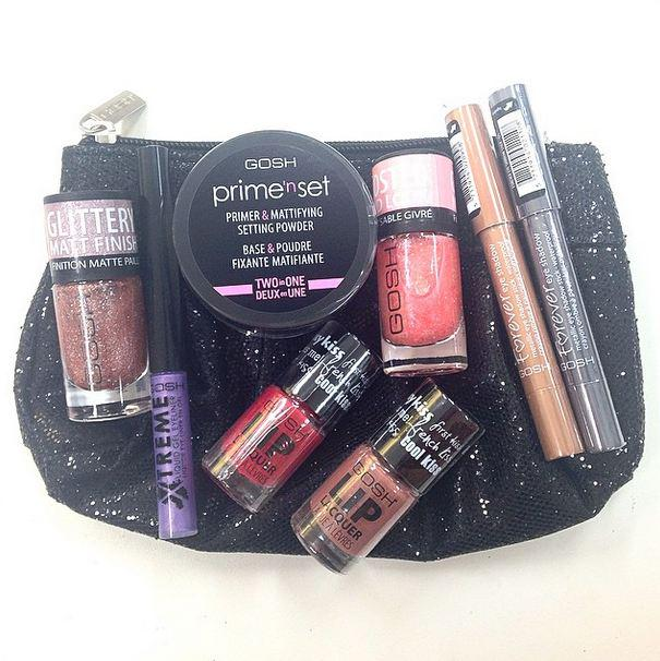 We're giving away 10 of these glittery bags of goodness! Simply RT and follow by 23:59 19/4/15 to win! UK only. http://t.co/TxQ9TS1Dmb