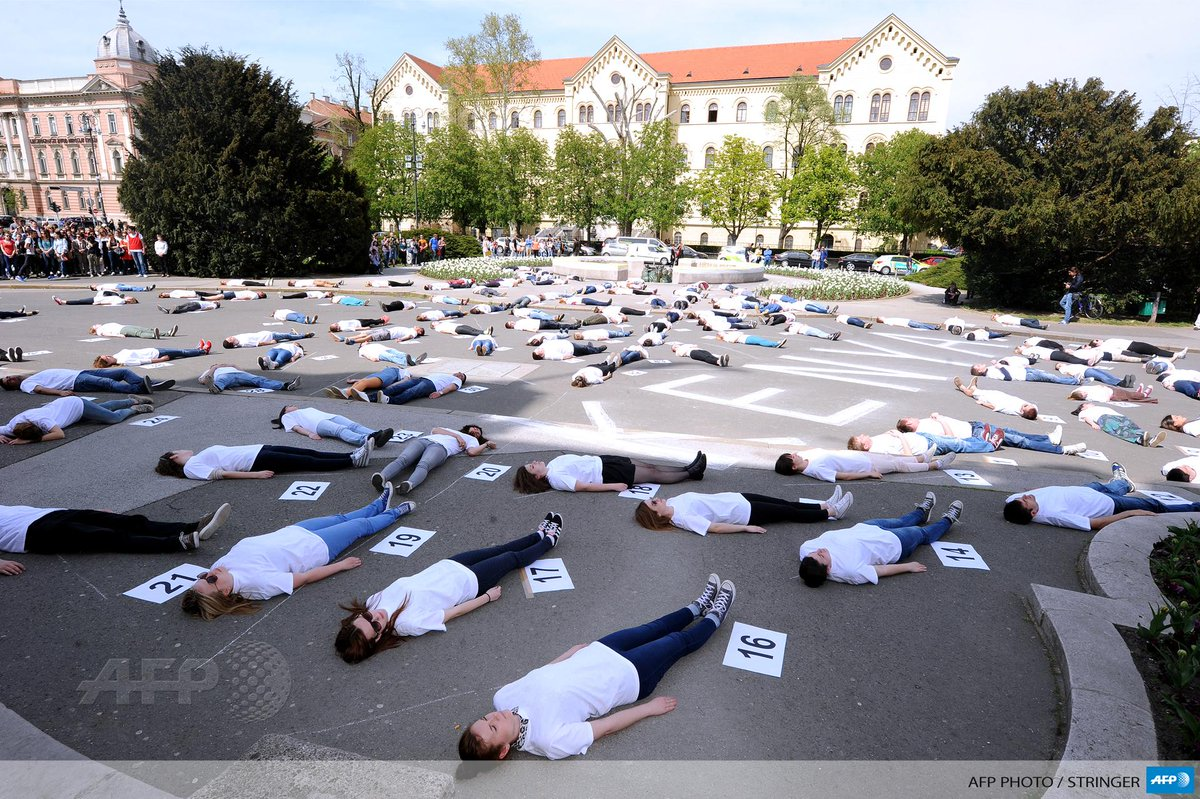 147 students lie down for 147 seconds at Zagreb University, Croatia, in solidarity with victims of #GarissaAttack http://t.co/7FJ2z8hcW8