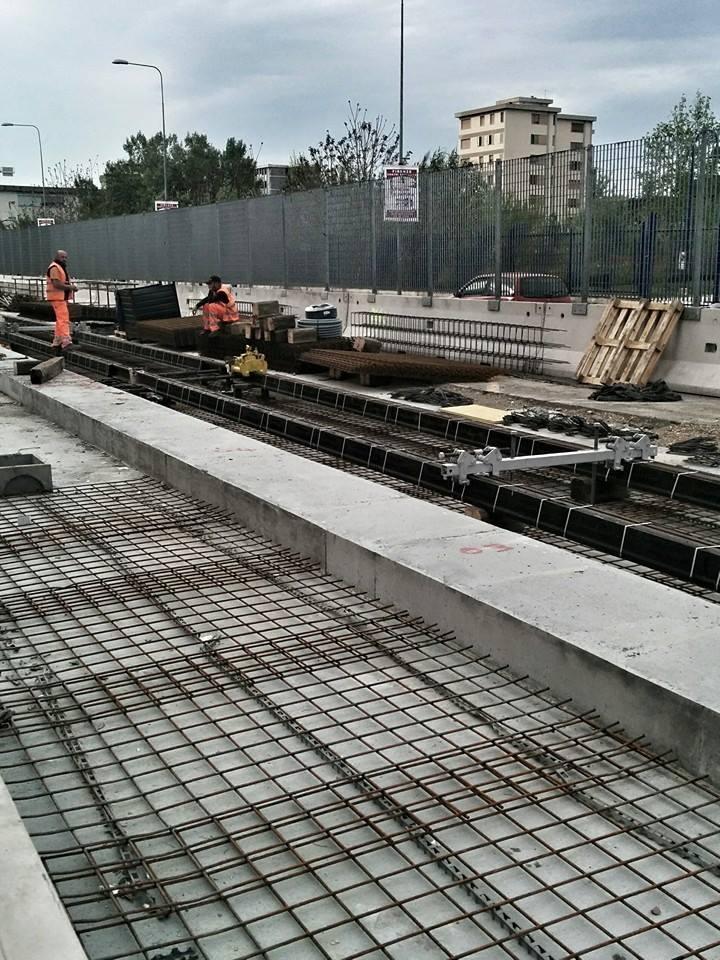 "I primi #binari della #Tramvia #Linea2 di #Firenze @comunefi http://t.co/9WiLwkBUeX<a target=""_blank"" href=""http://t.co/9WiLwkBUeX""><br><b>Vai a Twitter<b></a>"