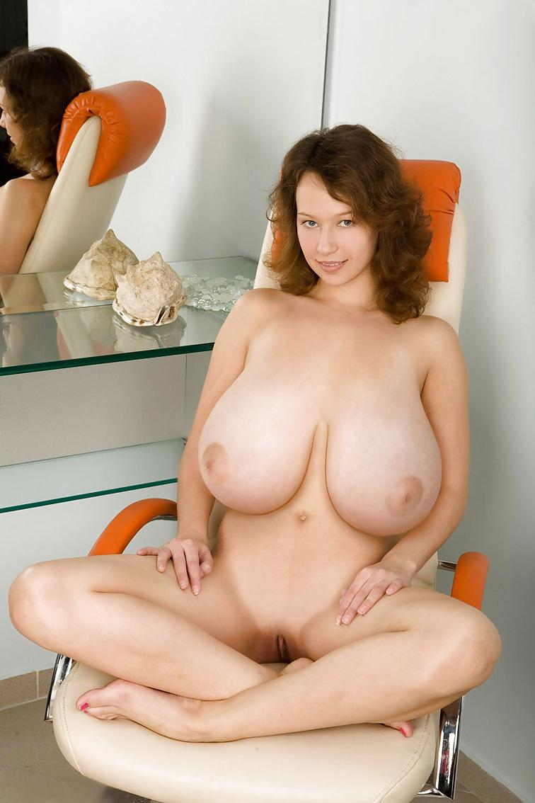 vzroslie-golie-krasavitsi