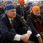 Visited Khalsa Diwan Society Gurdwara Sahib w/ @NarendraModi in Vancouver. Thank you for hosting us. http://t.co/yT3UIfH57H
