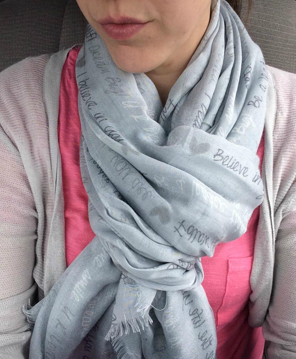 Snag yourself the R U Unique @ThirtyOne Scarf - gorgeous #giveaway for you #realmomstyle #ad - http://t.co/sCjiwJEc4D http://t.co/QtHvh5F39y