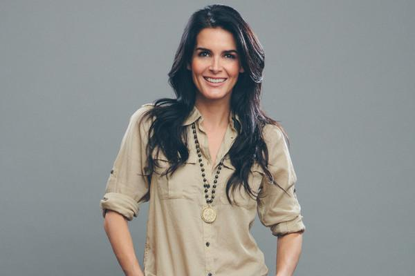 Snag a piece of @Angie_Harmon's edgy style with her new socially-conscious jewelry collection: http://t.co/UdPVk76mf0 http://t.co/z8VlGafuZC