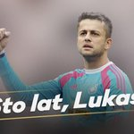 Join us in wishing @LukaszFabianski a Happy Birthday! Our goalkeeper turns 30 today! Sto lat, Lukasz! #swans http://t.co/iAW808jOqC