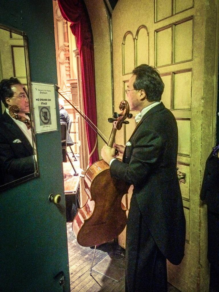 One of our cellists fell ill tonight and couldn't play the first half. Look who subbed in for him :) @YoYo_Ma http://t.co/v1dCUhAd9U