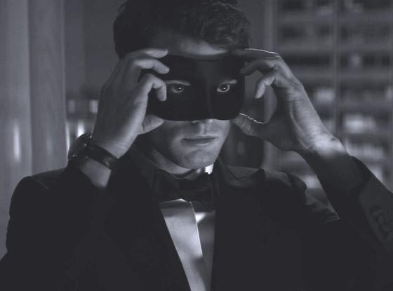 Don't tease us, Jamie Dornan! Mr. Grey is back in the new Fifty Shades Darker teaser trailer: