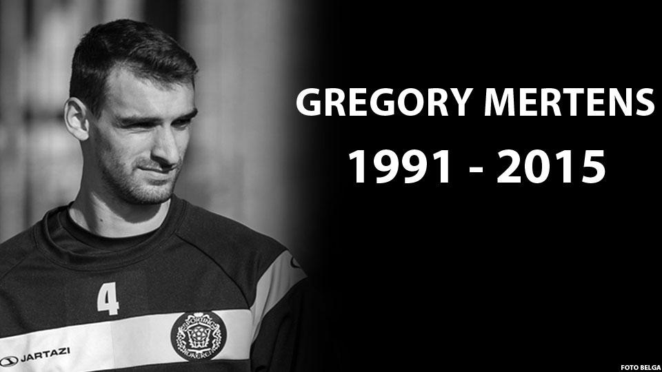 BREAKING: voetballer Gregory Mertens is overleden nadat hij maandag in elkaar stuikte op het veld. http://t.co/WqPtevP9F6