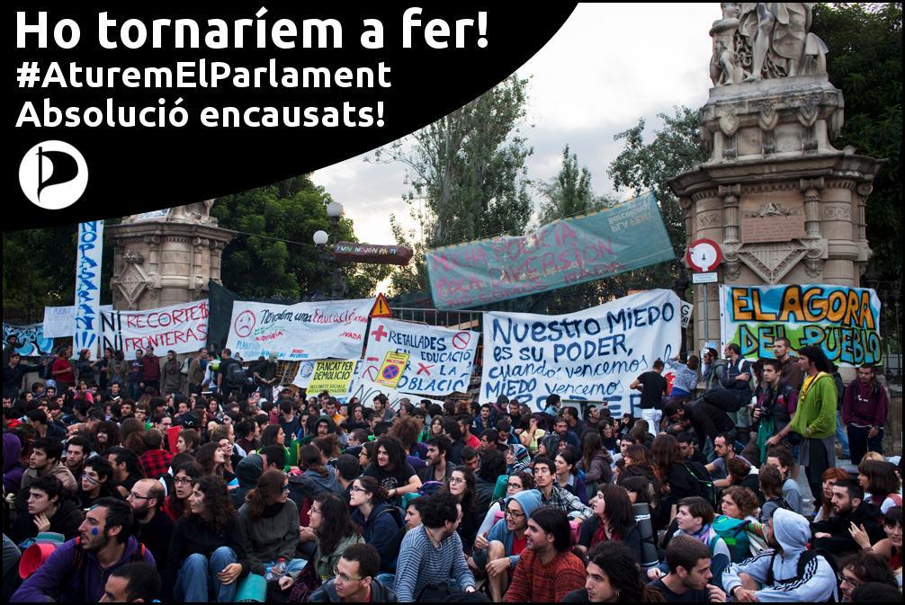 Ho tornaríem a fer! Absolució enacusats per l'#AturemElParlament! #3anysxprotestar http://t.co/lIJvzHHiJz