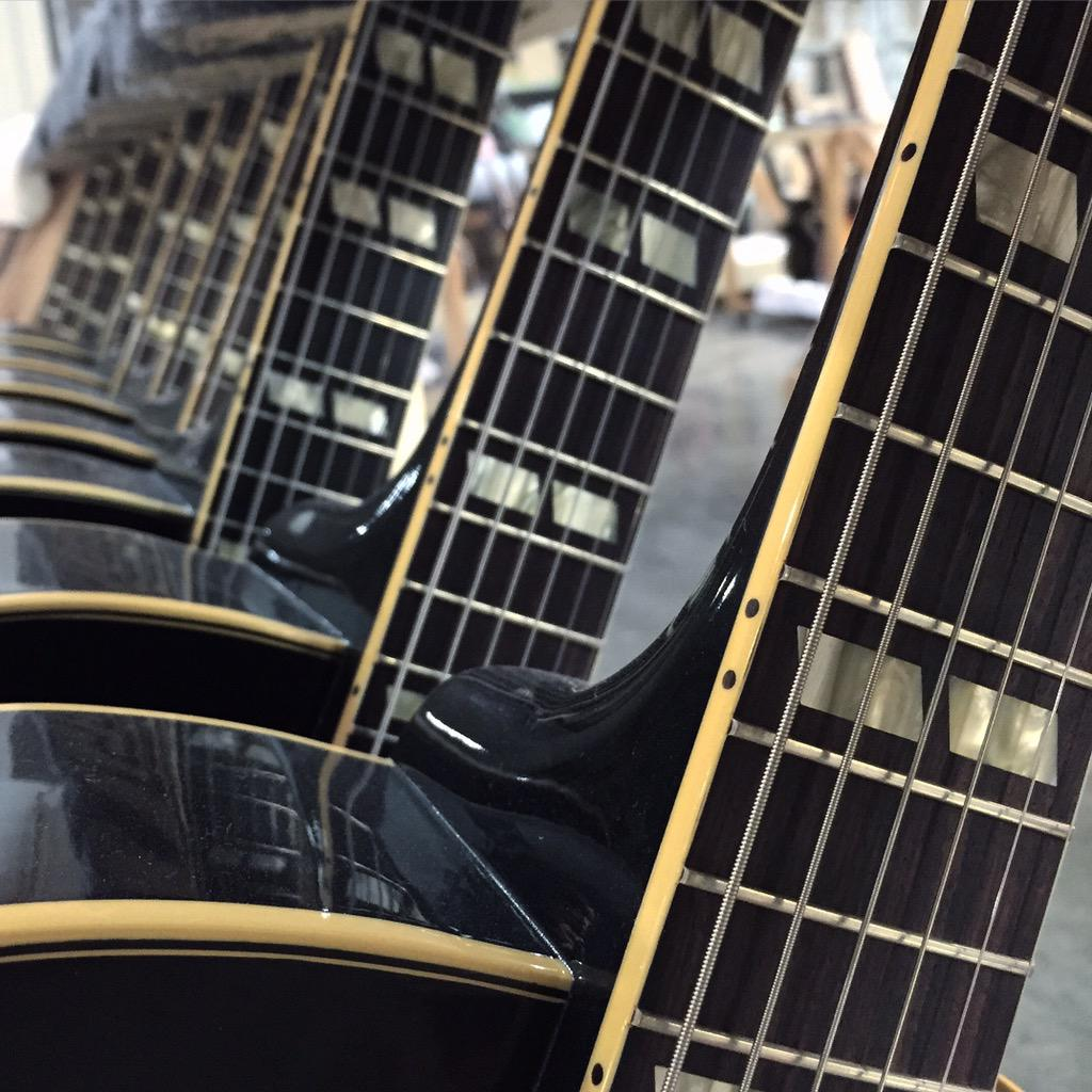 Had an amazing tour through the @gibsonguitar factory in Memphis! Thanks again to @Gibson90210 for making it happen. http://t.co/xBNKAnP1vj
