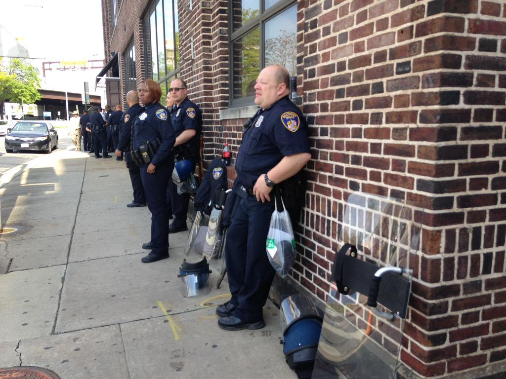 Gang members on the corner with nothing to do. #Baltimore http://t.co/cmQO3FCeT2