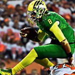Tennessee selects former Oregon QB Marcus Mariota with the second overall pick in the NFL Draft. #TENpick http://t.co/qzYelHAjUD