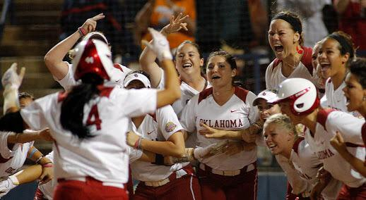 Congrats @LChamberlain44 on becoming the new Homerun Queen!! Safe to say this one will always be my favorite