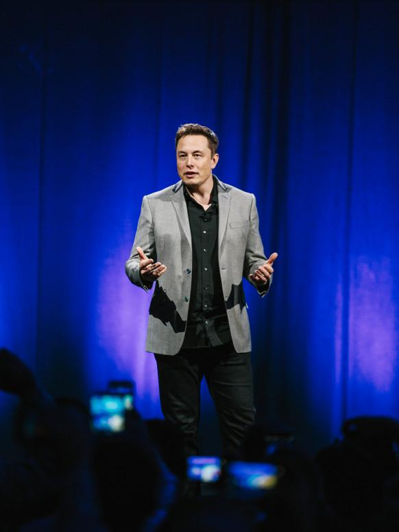 Nice one from Autopia's @adavies47: Elon Musk's Grand Plan To Power the World With Batteries http://t.co/P0DP1jGXVt http://t.co/8wDGL9QGgc