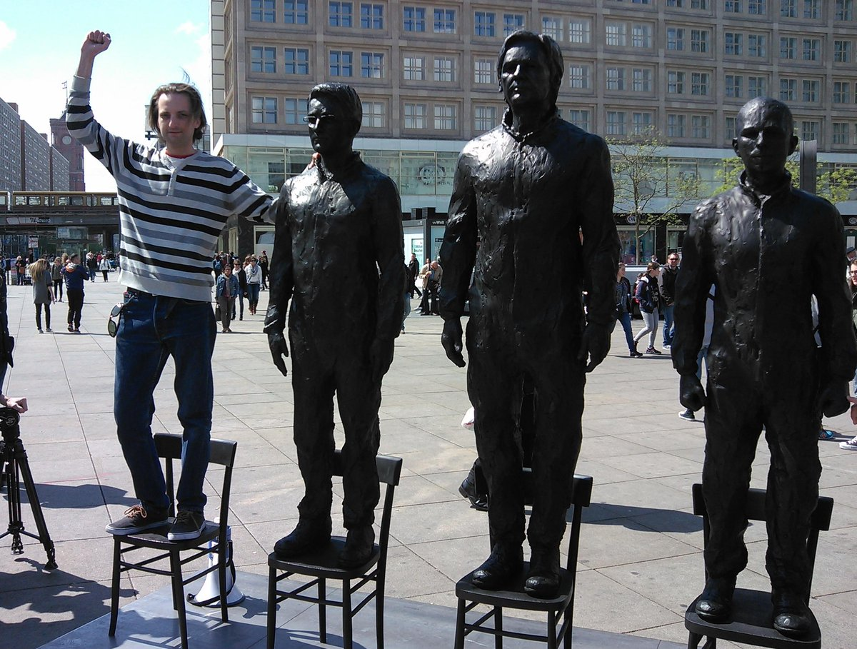 """Whistleblowers' statue in Berlin's Alexanderplatz. """"The vacant chair is for *you*!"""" RT @areasteve http://t.co/iJfOvQGMlf"""