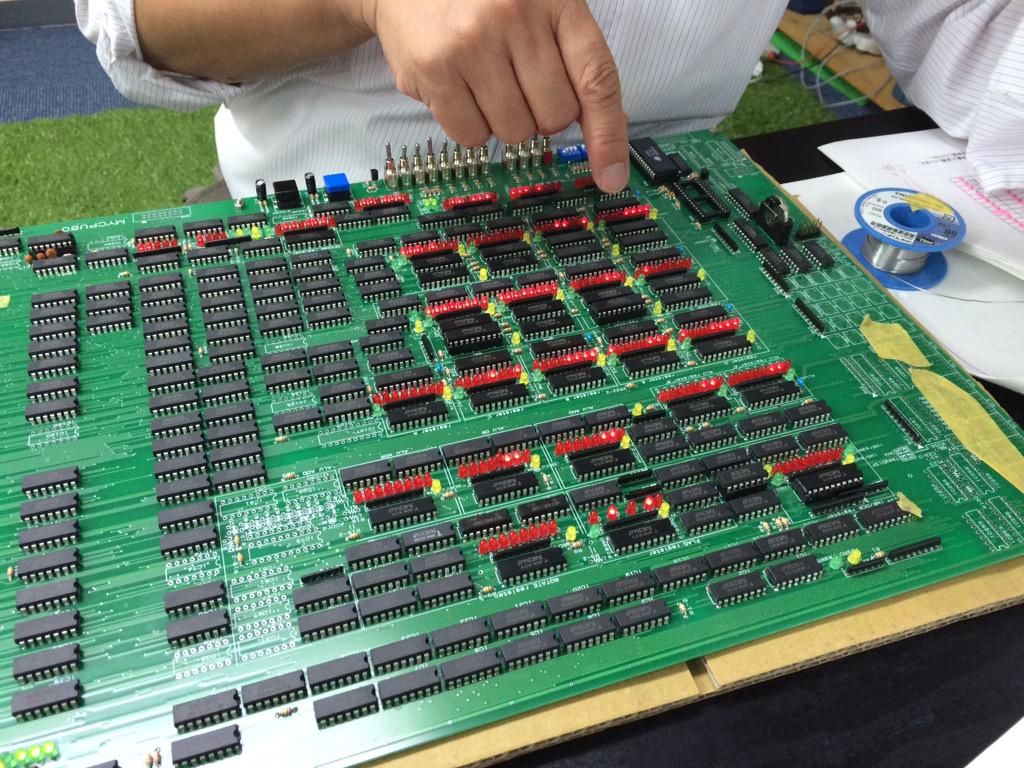 TTLで8080互換CPU作り ANA,XRA,ORA,ANI命令の動作テスト中 http://t.co/yV2sfMxdLn