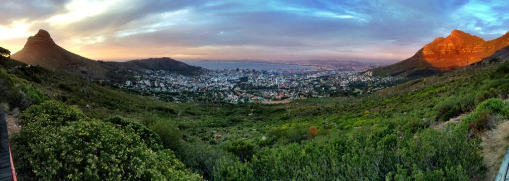 The stunning view of Cape Town from Table Mountain at sunset. #lovecapetown #MeetSouthAfrica http://t.co/5BRpK10Wni
