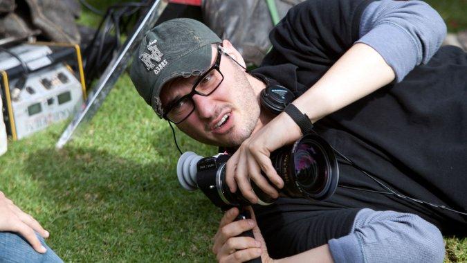 oh damn @johncampea @KristianHarloff 'Star Wars' Standalone Film Loses Director Josh Trank http://t.co/AZMXHDfrd4 http://t.co/M99XaVpajF