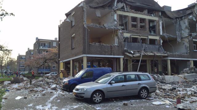 Etage weggevaagd bij ontploffing Heerlen - http://t.co/5tRD3DrHXb #1Limburg http://t.co/whwKF8hQbC