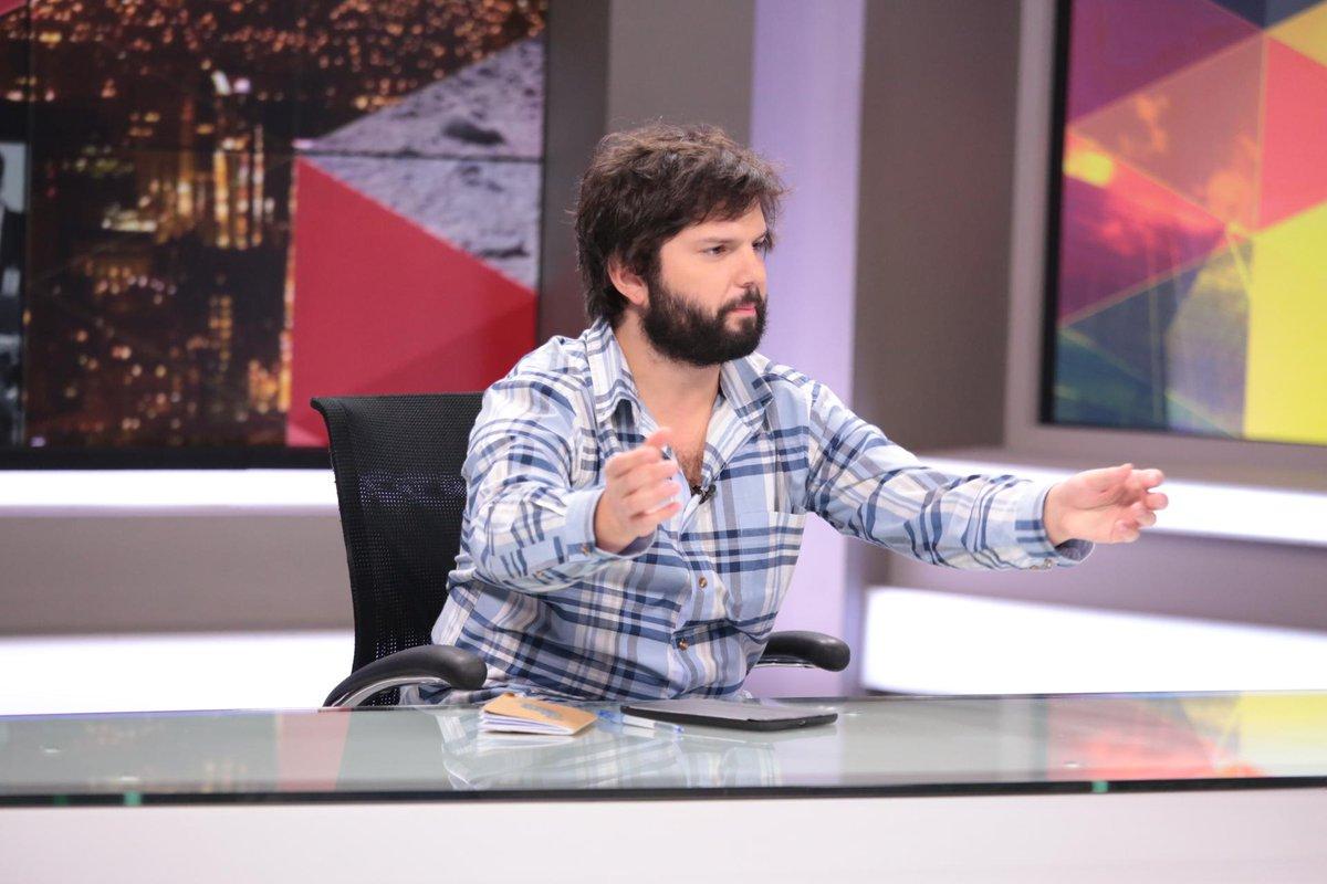 """Gabriel Boric en #Tolerancia0: """"La actitud que ha tenido el gobierno es una manera de legitimar la corrupción"""" http://t.co/wGObv2FxtK"""