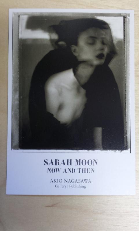 次回展覧会予告。弊社では、来る24日よりサラ・ムーン「NOW AND THEN」展を開催致します。日本のコマーシャルギャラリーでは初となる個展です。また25日14時~サイン会を開催致します。http://t.co/14ajcstlVl http://t.co/FucvC8HmjB