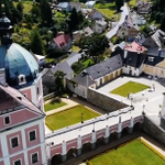 [VIDEO] #karlovyvary: the incarnation of spa elegance in West Bohemia, 2 hours from #Prague http://t.co/6LU33PnhO8 http://t.co/Z0FnkQnkWX