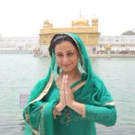 RT @bollywodcountry: Actress @divyadutta25 pays obeisance at the #GoldenTemple in Amritsar http://t.co/KU3xHpe9ah