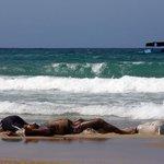 Alla deriva nel Mediterraneo c'è anche l'Europa, che non vuole prendersi responsabilità: http://t.co/abv37JJvjs http://t.co/qd2Xgagypj