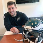 It's official: @Eagles sign Tim Tebow to a one-year contract http://t.co/bm2kkmcOhC http://t.co/CVUnLWPXb1