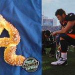 Mmmmmmmmmm.... Tebow pretzel. (photo: @PPFpretzels) http://t.co/2ZBs4VVcq2
