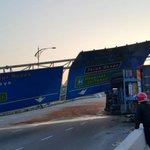 Penutupan jalan di Persimpangan Jln Skudai ke DangaBay berhadapan TuneHotel. Sila gunakan laluan altenatif. #jbtu http://t.co/zWcS5dx6YP