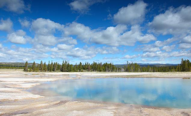 This summer, you've GOT to go to Yellowstone National Park  @YellowstoneNPS @NatlParkService